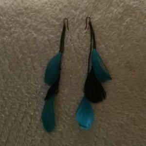 Gorgeous boho feather earrings